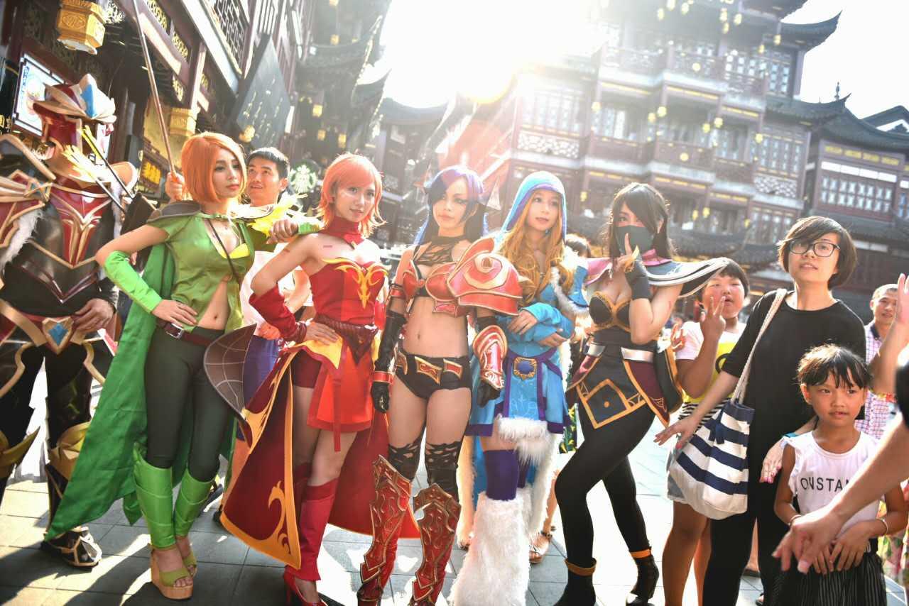 上海街头现DOTA2 Cosplay助威国际邀请赛