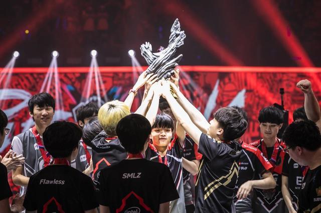 洲际赛RNG和AFS决胜局中最关键的6个点,Uzi这波操作细腻到爆炸!