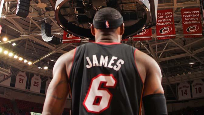 NBA总经理预测:热火将夺冠 詹姆斯MVP_NBA