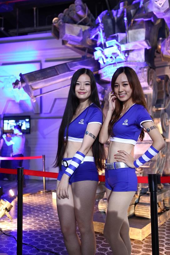 逆战WCG2012现场美女云集图赏 超级玩家