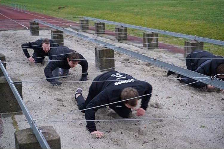 丹麦王朝Astralis将军事训练加入到队伍集训项目中