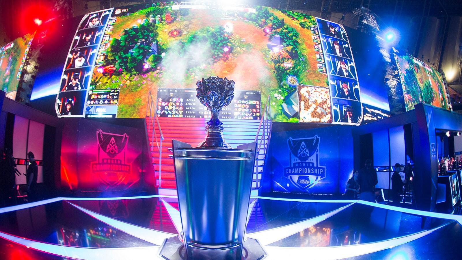 Riot赛事官方长文:LCS解说分享他眼中全球总决赛走过的十年
